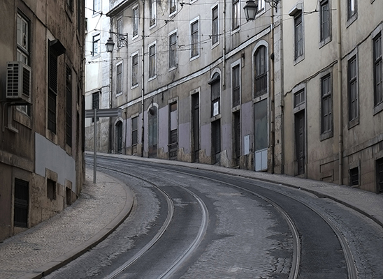 Straße in Lissabon – Suse Güllert Fotografie